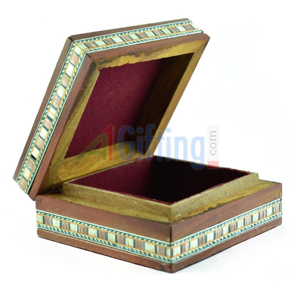 Handicraft Jewelry Box in Wooden
