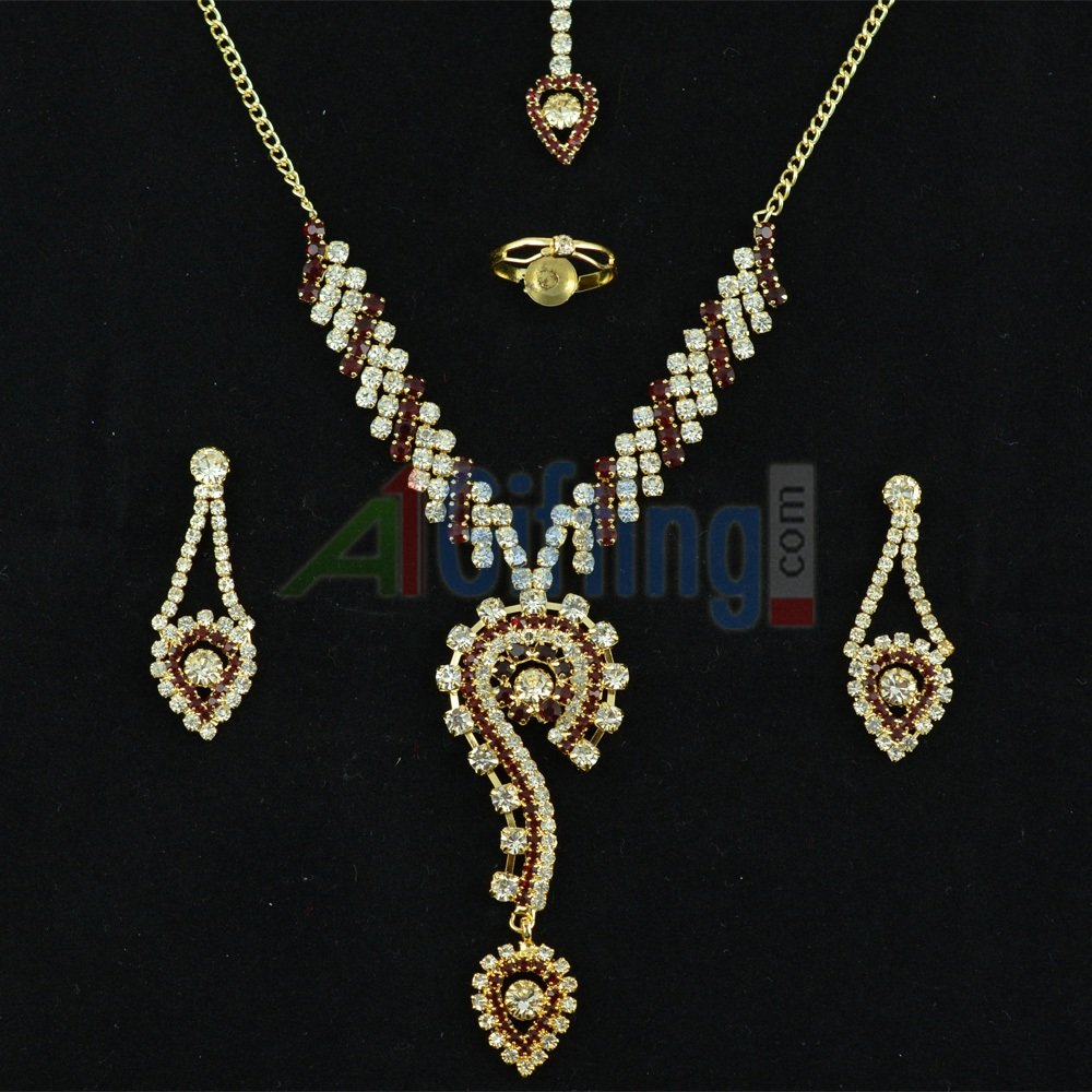 Simply Elegent Diamond Neclace Diamond Set Jewelry