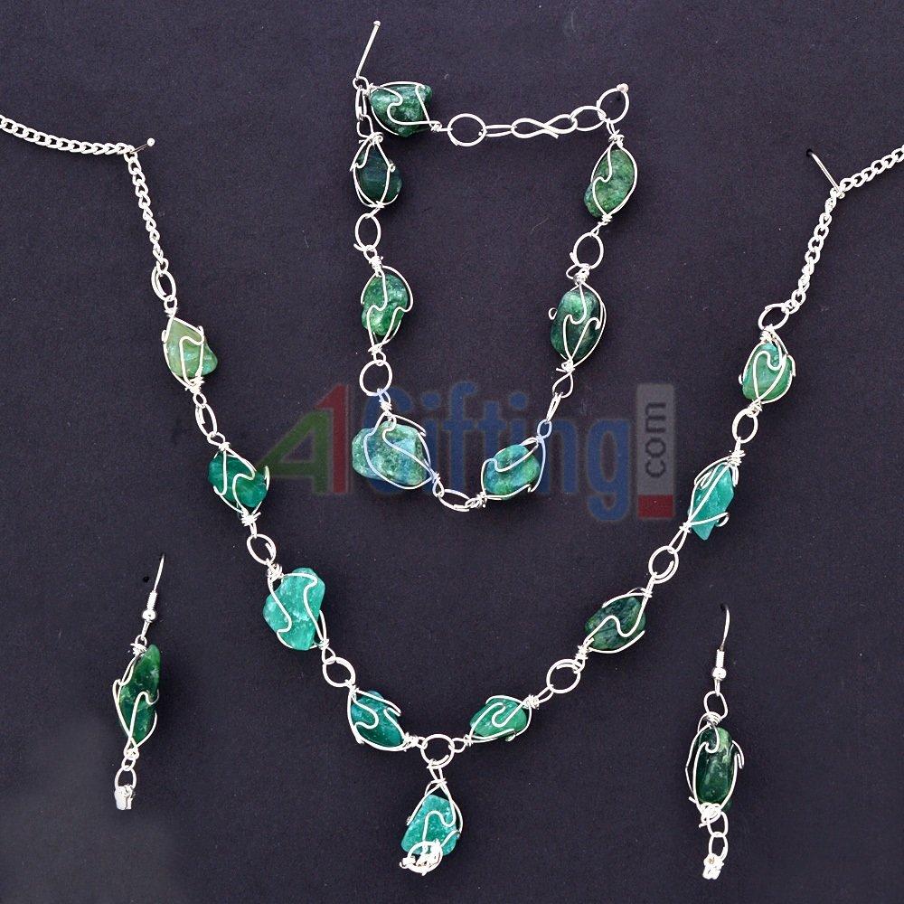 Green Stones Necklace Set with Bracelet