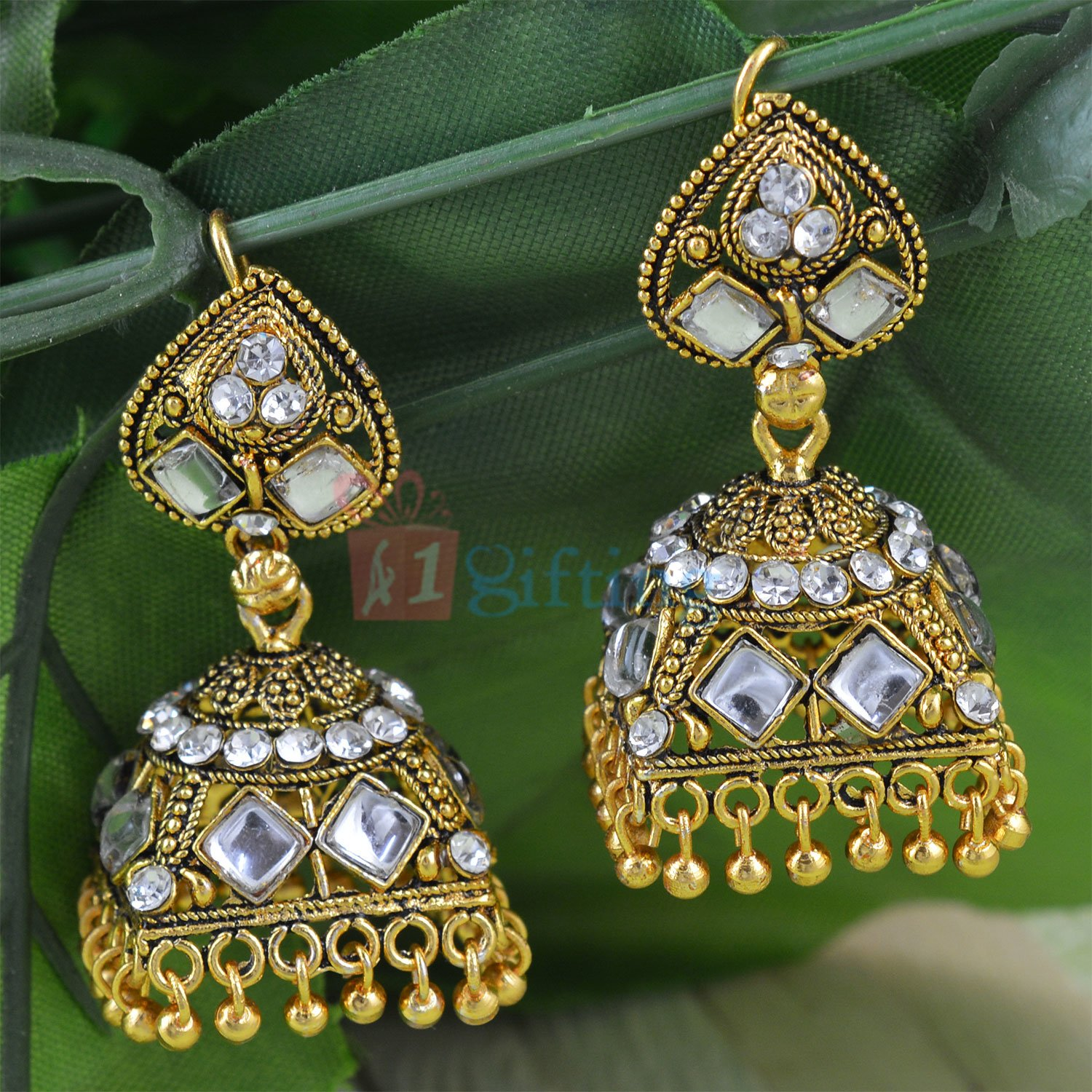 Beatiful Golden Touch Kundan Worked Fancy Earrings