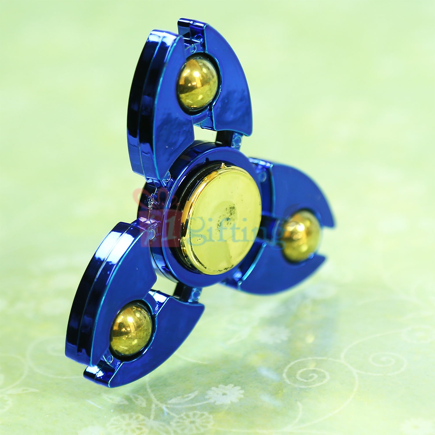 Amazing Metalic Blue Shield Ball Spinner
