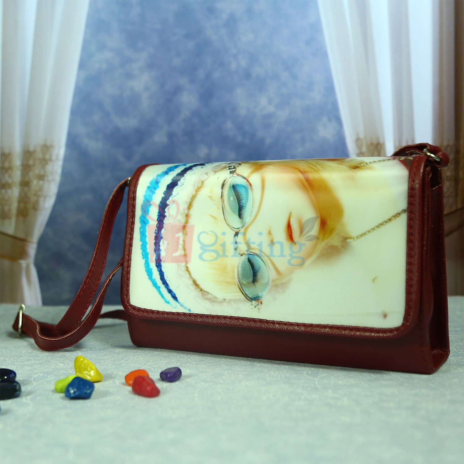 Clutch Style 3D Hanging Bag