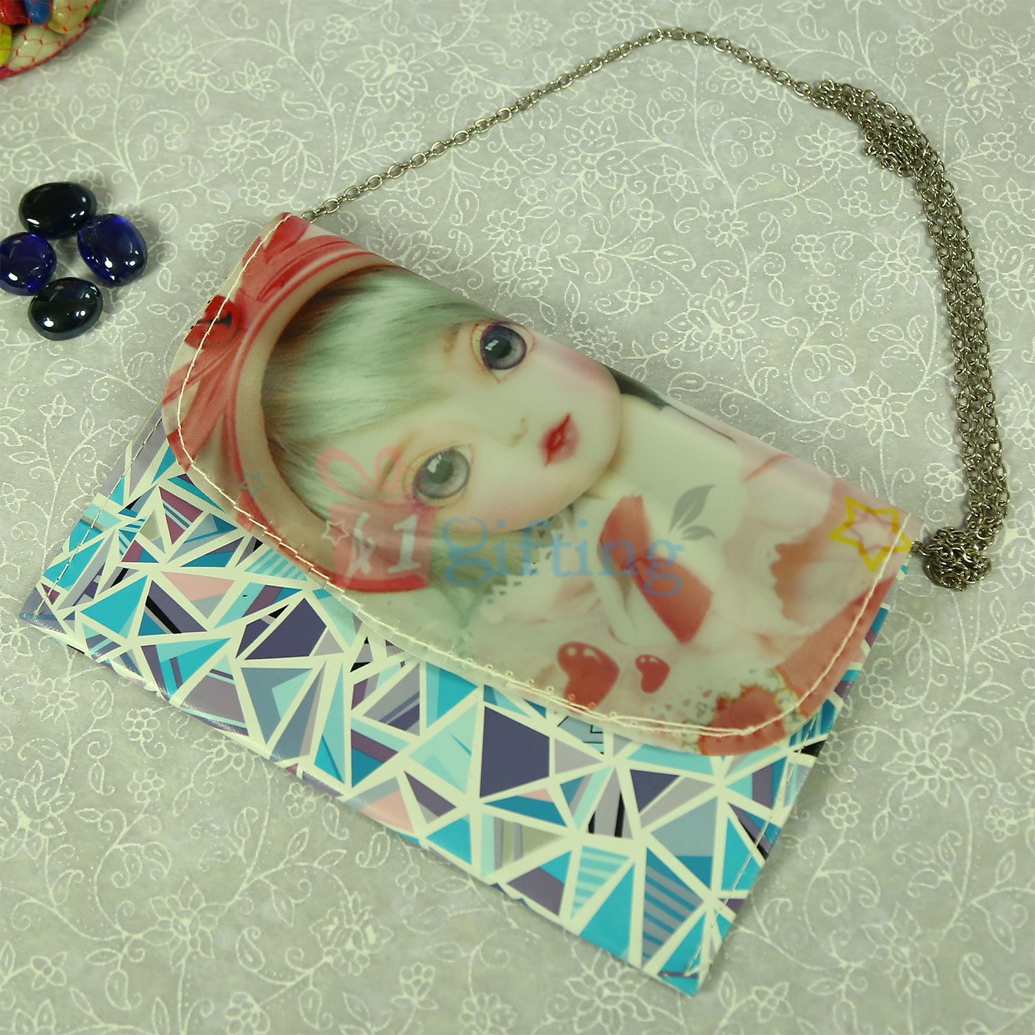 Modern Hanging Clutch for Dear One
