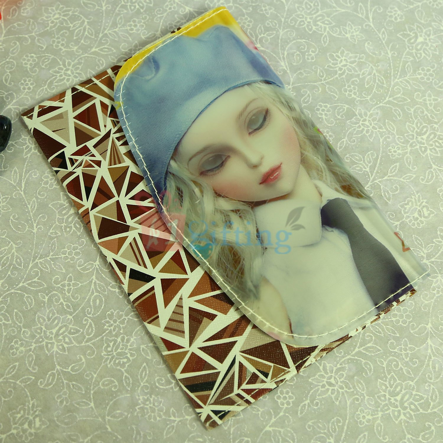 3D Pattern Clutches for Gift to Loving One