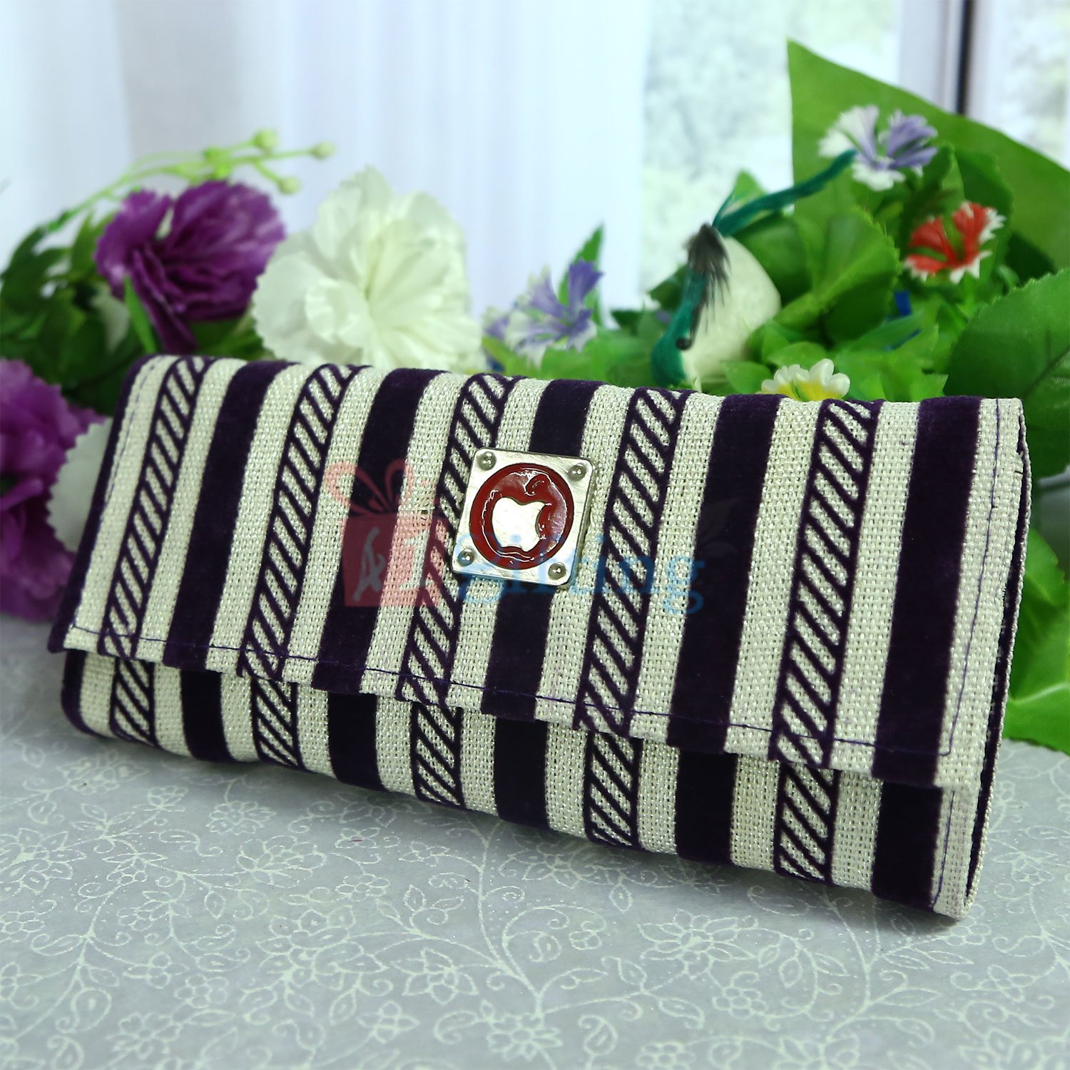 Linner Apple Clutches Gift