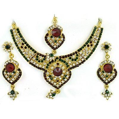 Golden Metalic White Maroon Diamond Jewelry Set