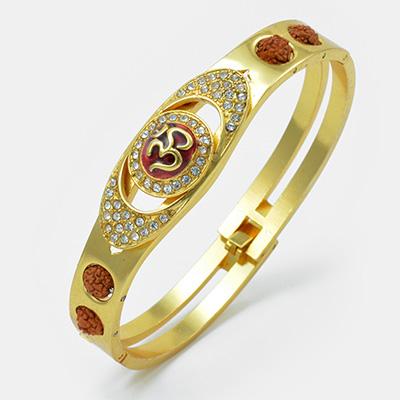 Good-Lookinig Om Diamonds Bracelet Rakhi